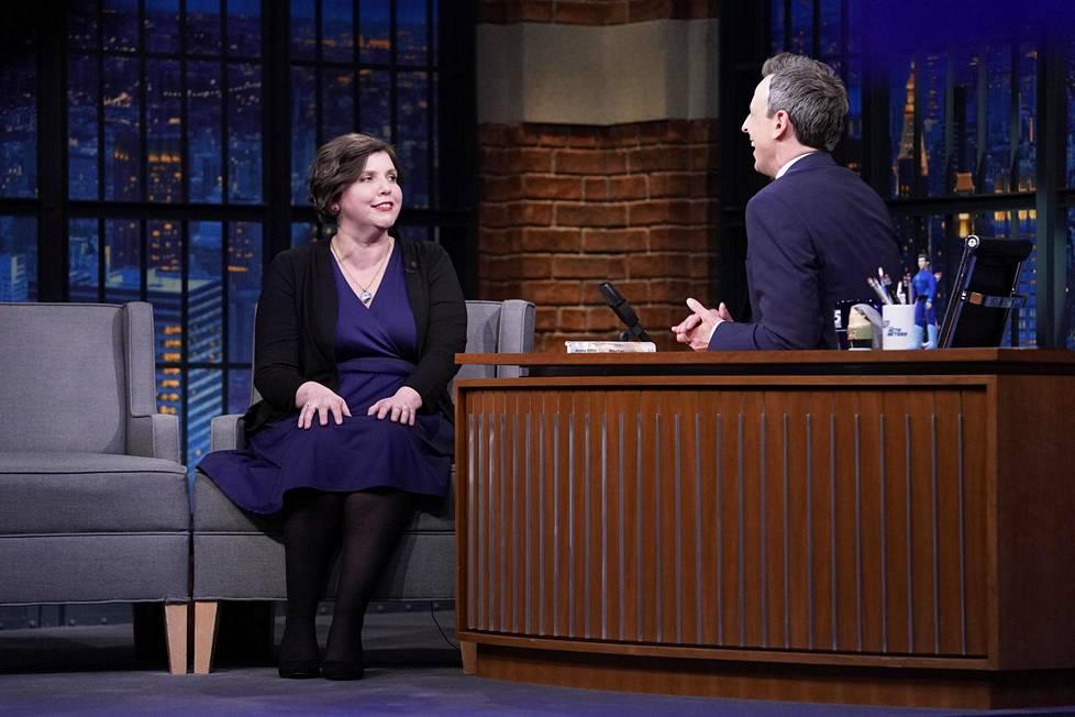 Jenny Offill esiintyi Seth Meyersin talkshow'ssa maaliskuussa.