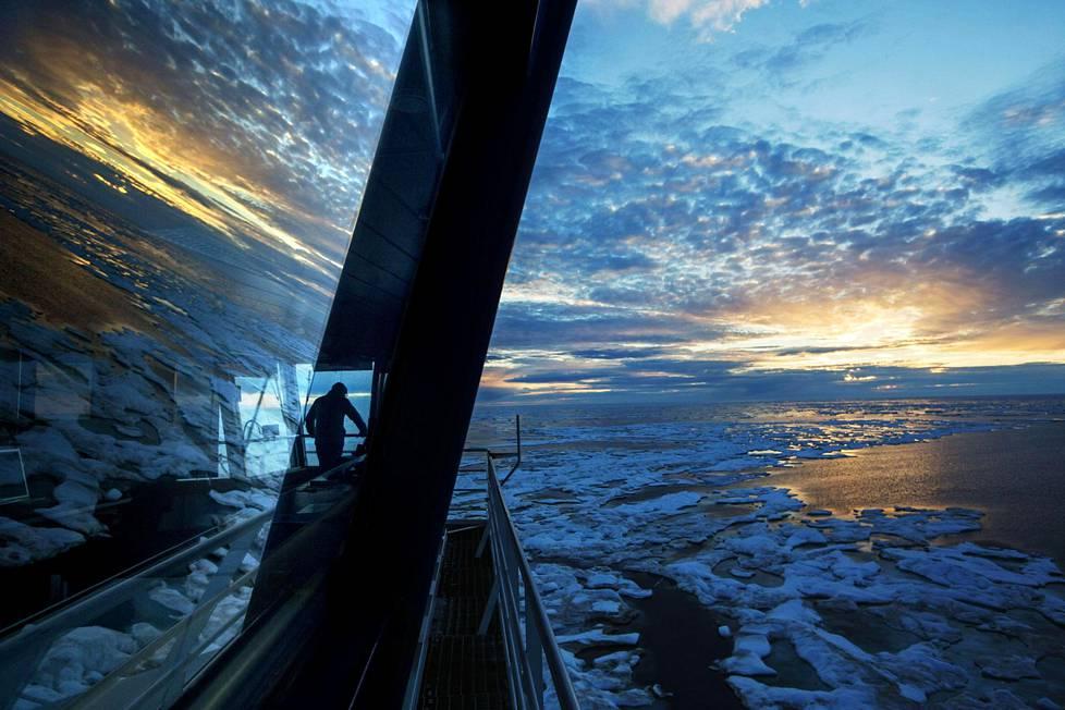 Tähystäjä Nigel Greenwood katseli jäistä merimaisemaa 21. heinäkuuta.