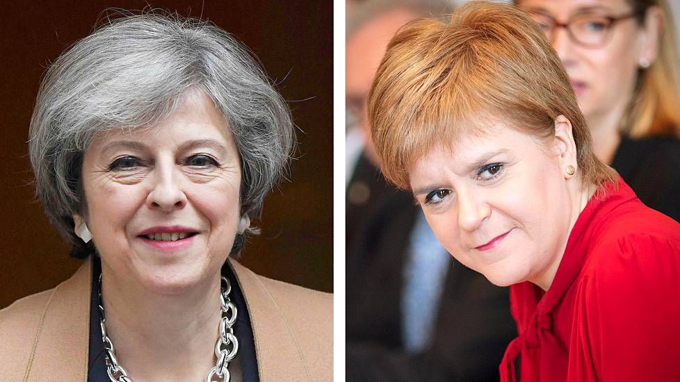 Theresa May ja Nicola Sturgeon