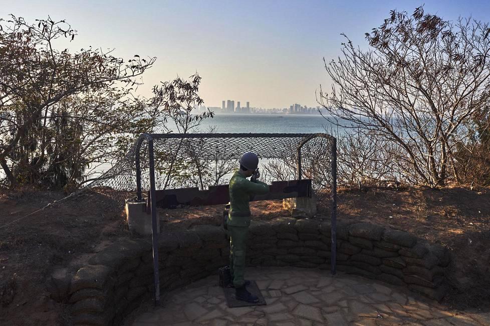 Jinmenin turistiviranomaiset panivat leikkisotilaan tähtäämään Kiinan puolelle muutama vuosi sitten, kertoi paikallinen opas.