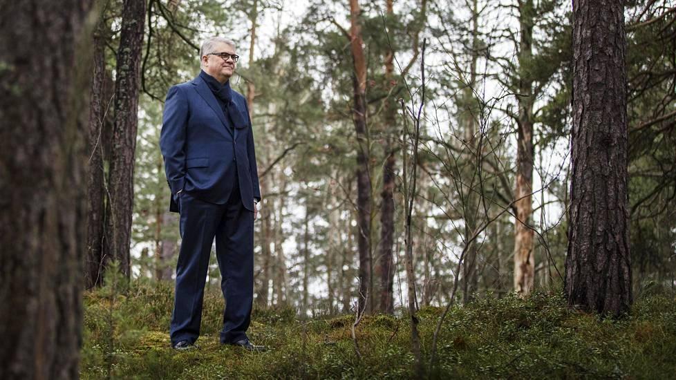 """""""Päätimme olla metsäyhtiö"""", sanoo UPM:n toimitusjohtaja Jussi Pesonen 2000-luvun strategisista linjauksista."""