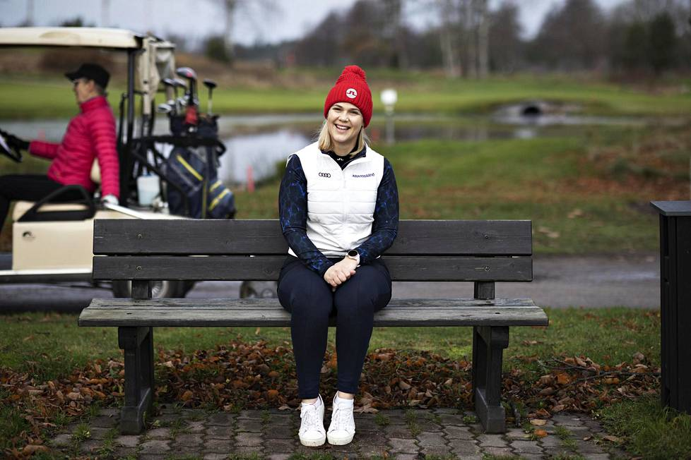 Minea Blomqvist-Kakko pelasi 16 vuotta ammatikseen golfia.