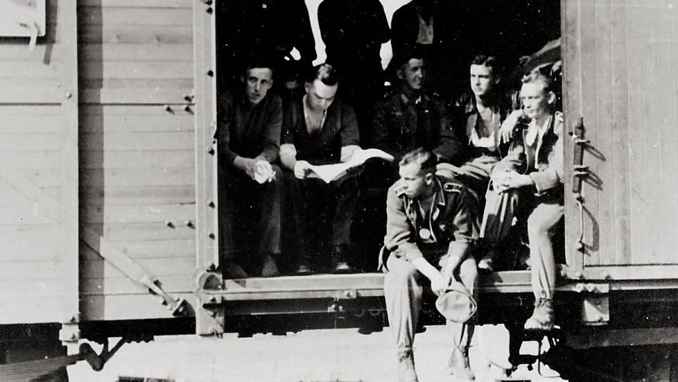 Saksalaisia sotilaita Hangon Tulliniemessä.