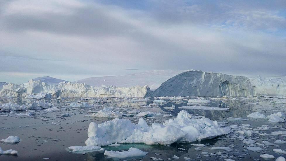 Grönlannin jäätiköiden sulaminen tietää merenpinnan nousua. Nyt näyttää siltä, että jääkato tuntuu myös merenpohjassa.
