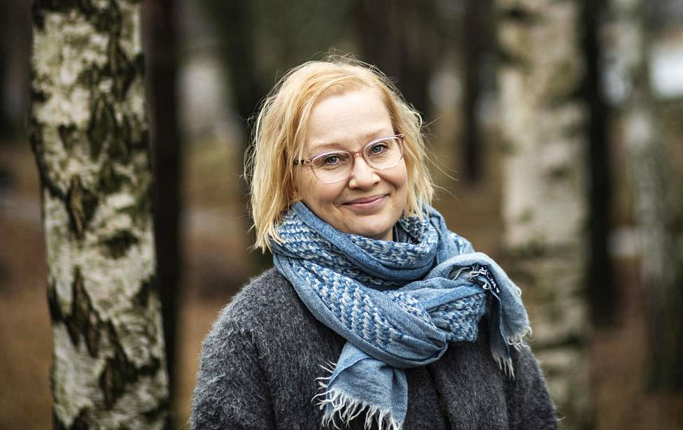Ravitsemusterapeutti Anette Palssa tietää omasta kokemuksestaan, miltä stressivatsa tuntuu.