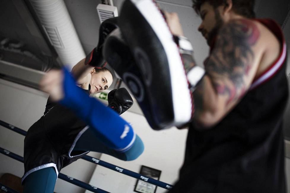 Camilla Marjamäeltä vei vuosia ymmärtää, että hän sai liikunnan määrään nähden liian vähän energiaa.