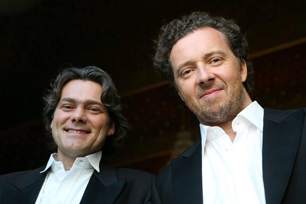 Gerold Huber (vasemmalla) suostui Christian Gerhaherin luottopianistiksi jo yli 30 vuotta sitten. Ystävykset esiintyvät tänään Helsingissä.