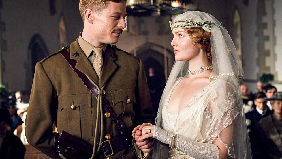 Lady Chatterleyn rakastajassa James Norton esittää Lady C:n (Holliday Grainger) epäonnista aviomiestä Sir Clifford Chatterleya.