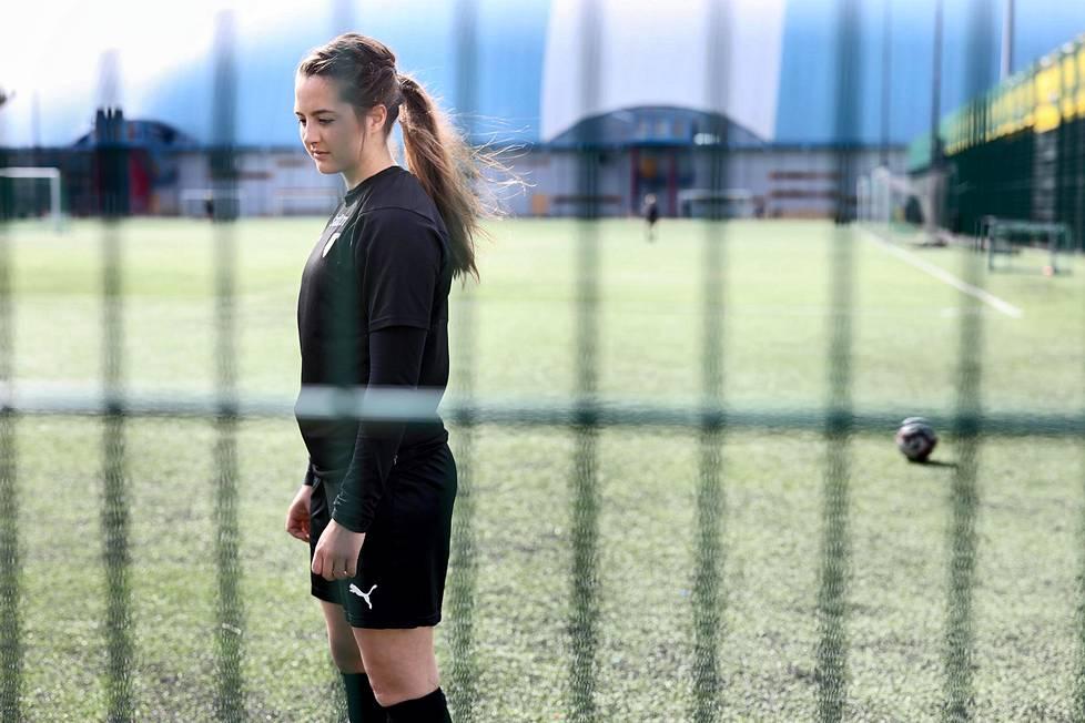 FC Hongan pelaaja Katarina Naumanen on kertonut ylirasitusoireistaan ja ahdistustiloistaan.