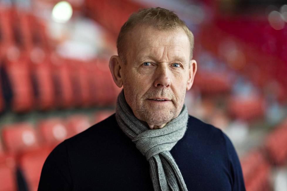 Jääkiekon pelaajayhdistyksen toiminnanjohtaja Jarmo Saarela muistuttaa, että ryhmissä ei sovi kokoontua harjoituskiellon päättymisen jälkeenkään, sillä viranomaisrajoitukset ovat voimassa.