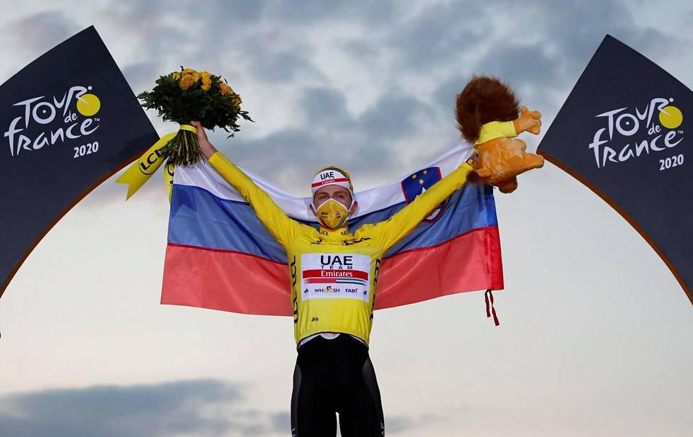 Tadej Pogacar voitti hirmuisella aika-ajorutistuksella pyöräilyn Ranskan ympäriajon.