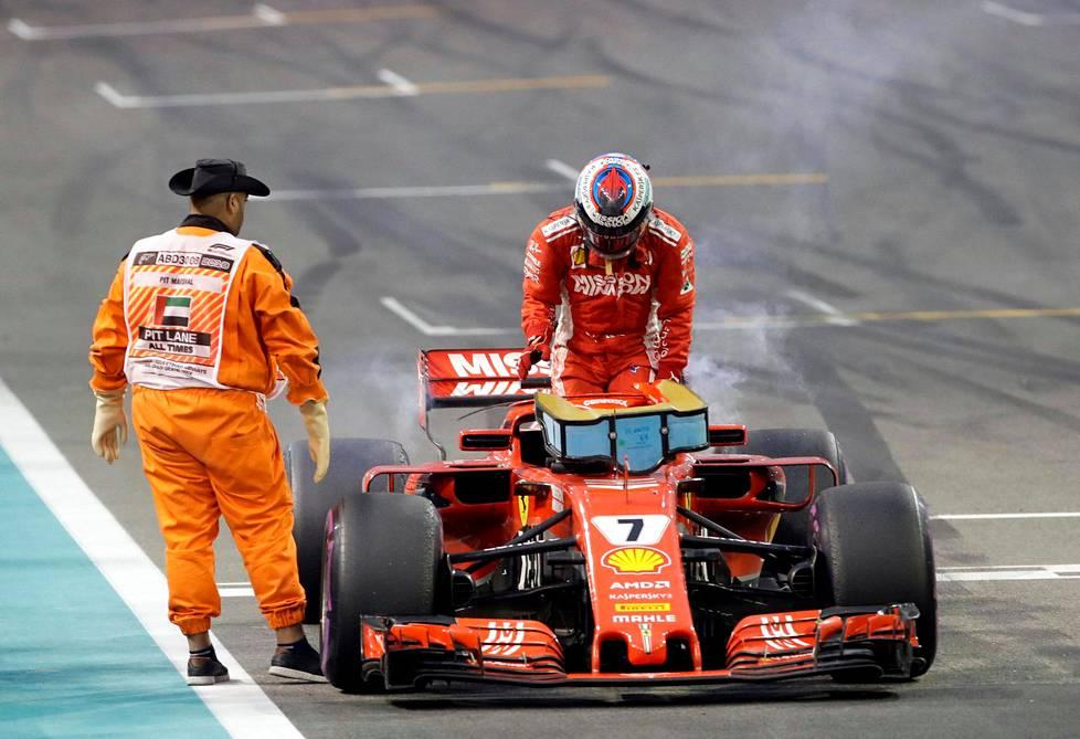 Tähän keskeytykseen Abu Dhabissa päättyi Kimi Räikkösen monivaiheinen ura Ferrarilla.