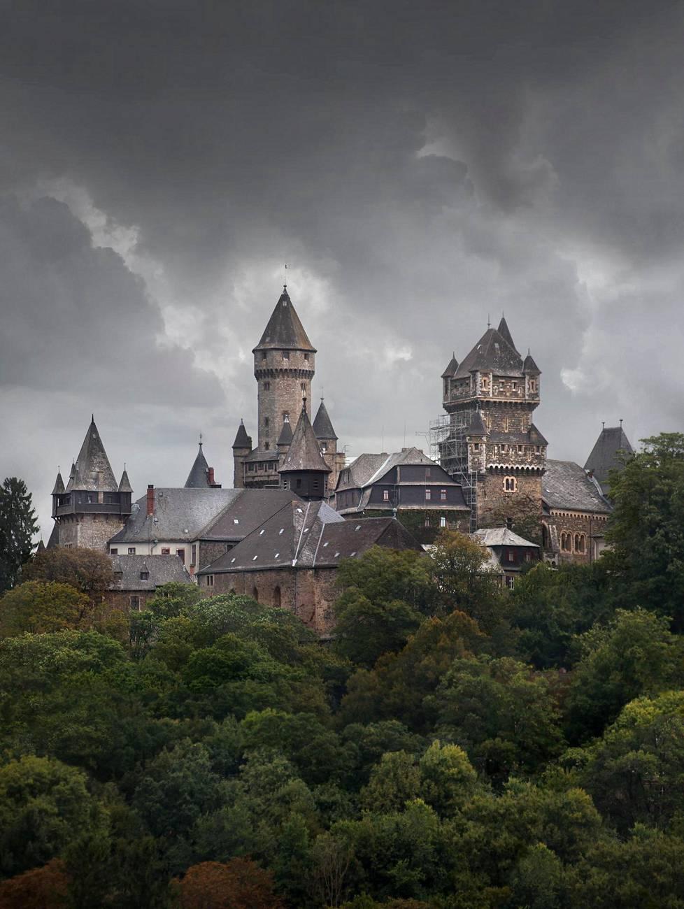Braunfelsin linna sijaitsee Hessenin osavaltiossa, Braunfelsin pikkukaupungissa.