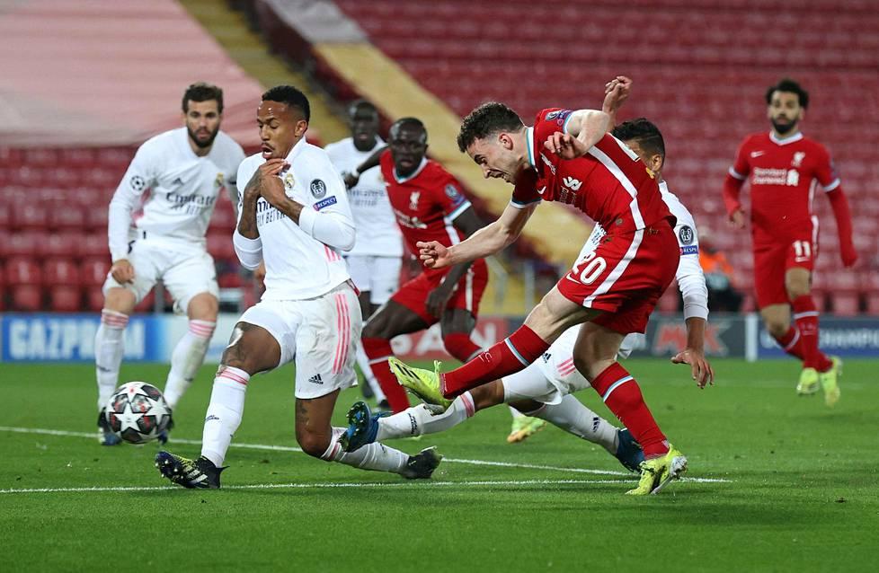 Liverpool ja Real Madrid kuuluvat tulevan Superliigan perustajaseuroihin. Joukkueet kohtasivat Mestarien liigan puolivälierissä viime viikolla.