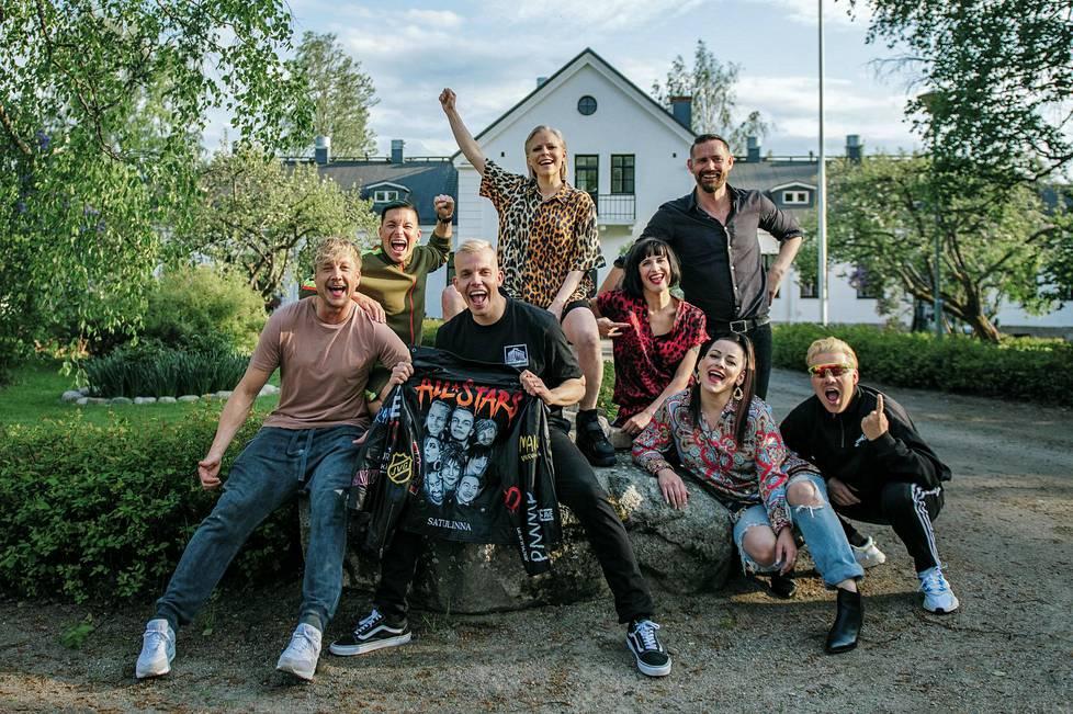 Kela, Anssi / Maijanen, Pave / Rosti, Virve / Vilkkumaa, Maija / Tuisku, Antti / SANNI / Villegalle / Vain Elämää: Vain elämää kausi 4 - ilta