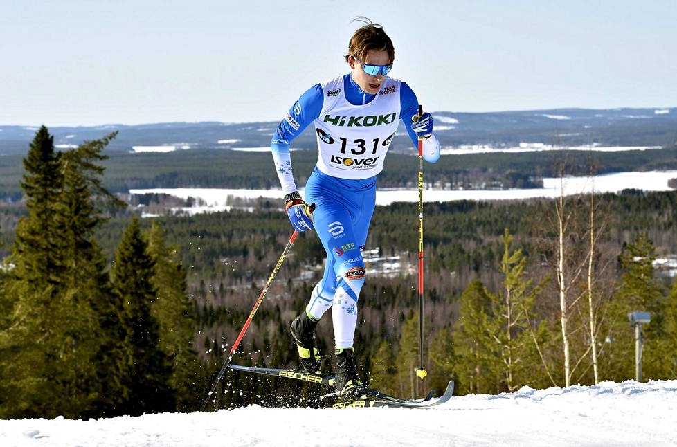 Alexander Ståhlberg, 18, on yksi suomalaisen hiihdon kiinnostavimmista tulevaisuuden lupauksista. Perjantaina Ståhlberg hiihti Ristijärven Saukkovaaralla miesten 15 kilometrin SM-kisan kymmenenneksi.