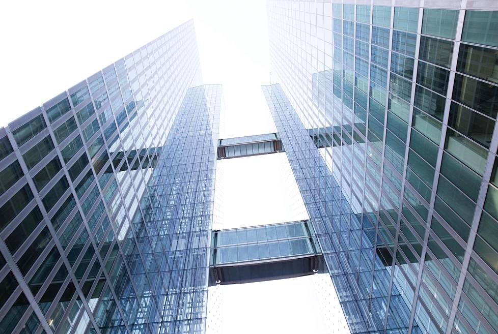 """""""Etsikää minulle Münchenin suurin ja korkein rakennus"""", ohjeisti IBM:n johtaja John Kelly, kun yhtiö etsi uutta päämajaa Watson-tekoälynsä kehitykseen. Lopulta yhtiö muutti yhteen korkeimmista, 126-metriseen Highlight Toweriin."""