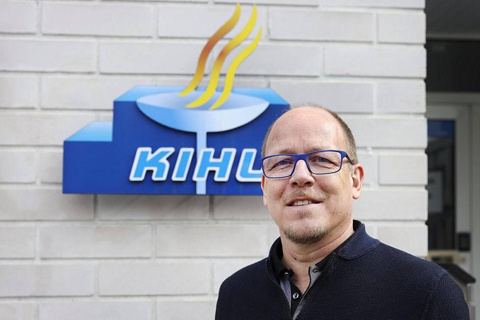 Kilpa- ja huippu-urheilun tutkimuskeskuksen (Kihu) johtaja Aki Salo on ensimmäinen henkilö, joka testamenttaa omaisuutensa Suomen Urheilun tukisäätiön alla oleviin rahastoihin.