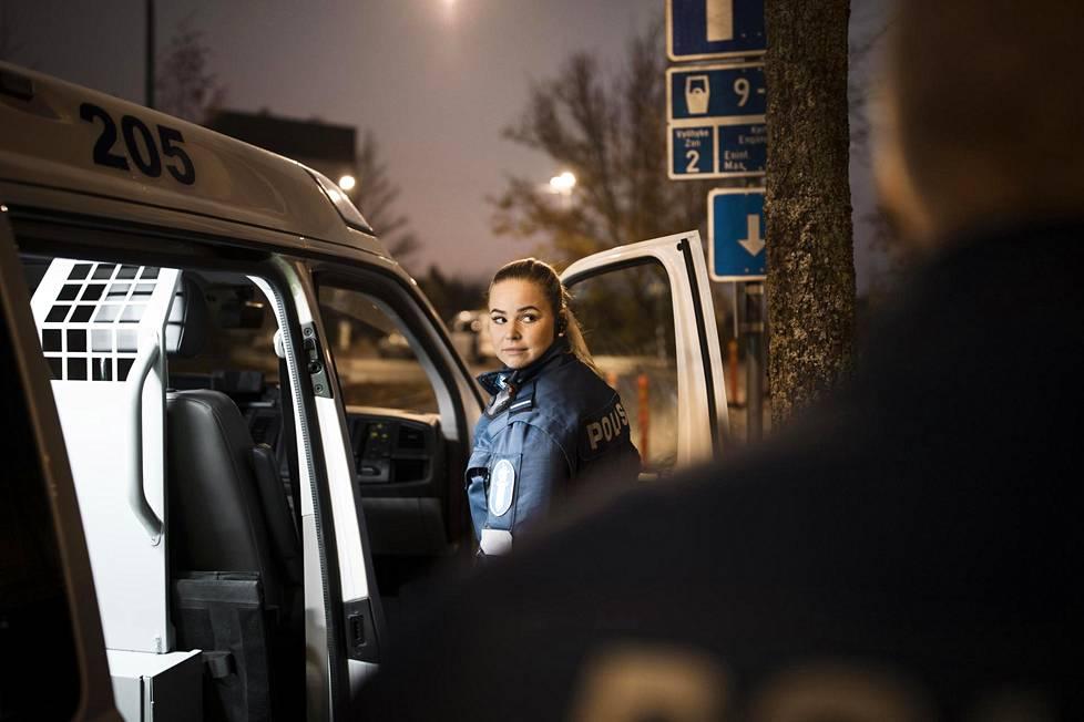31-vuotias poliisi Susanna Mara tuntee Helsingin nuorisorikolliset.