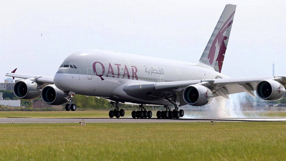Qatar Airwaysin Airbus A380 -superjumbo.