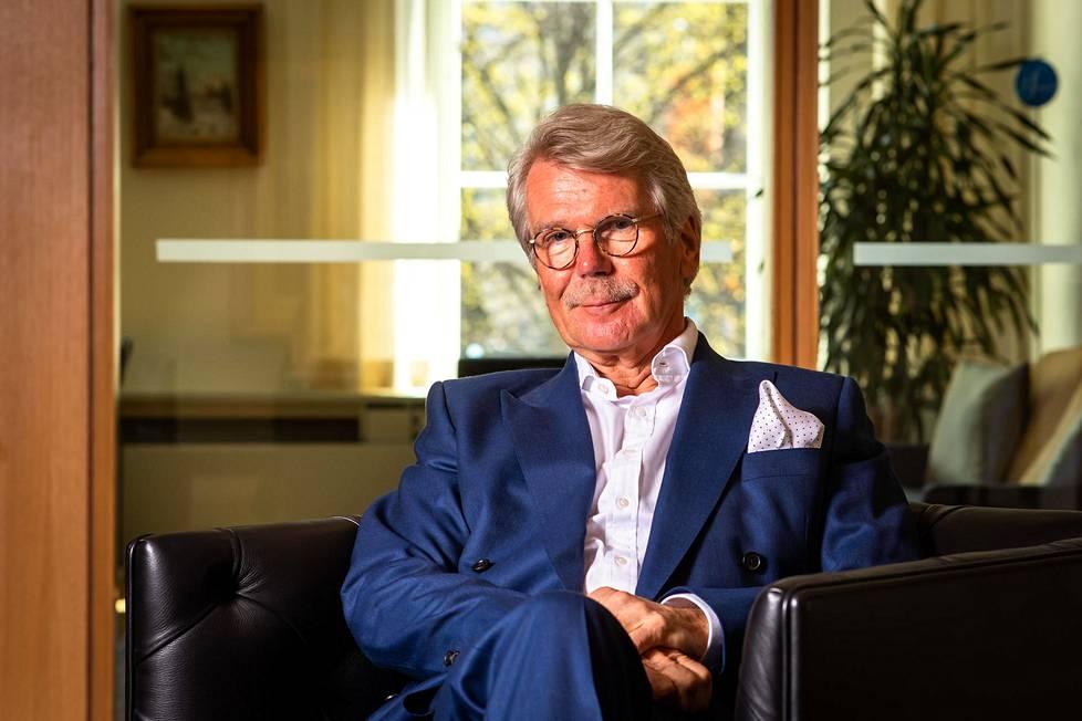 Björn Wahlroos kuvattiin Sammon pääkonttorissa kuluneen viikon tiistaina. Hän piipahti Helsingissä ennen kuin lensi Lontooseen.