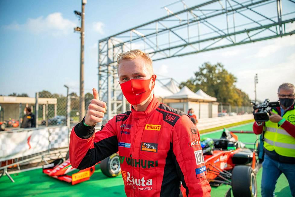 Patrik Pasma tuuletti viime lokakuussa F3 Regional -sarjan osakilpailun voittoa Monzassa.