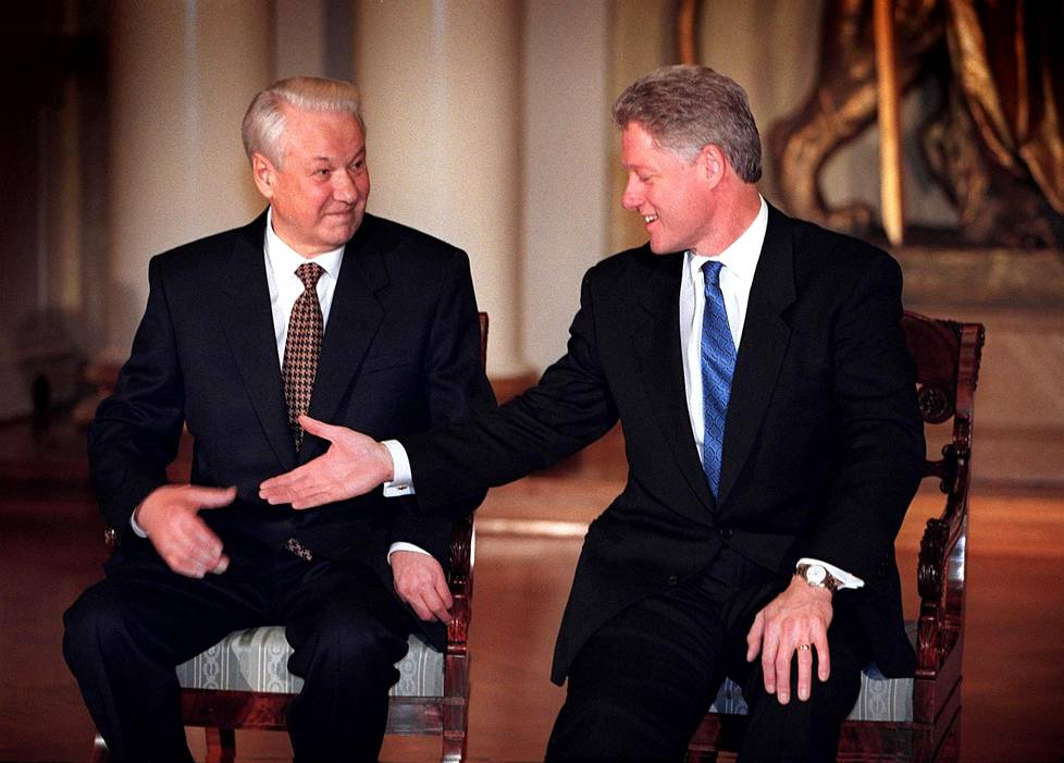 Boris Jeltsin ja Bill Clinton presidentinlinnassa.