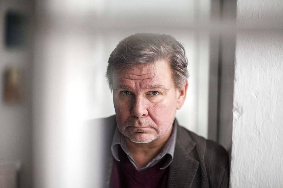 Kirjailija Hannu Raittila.