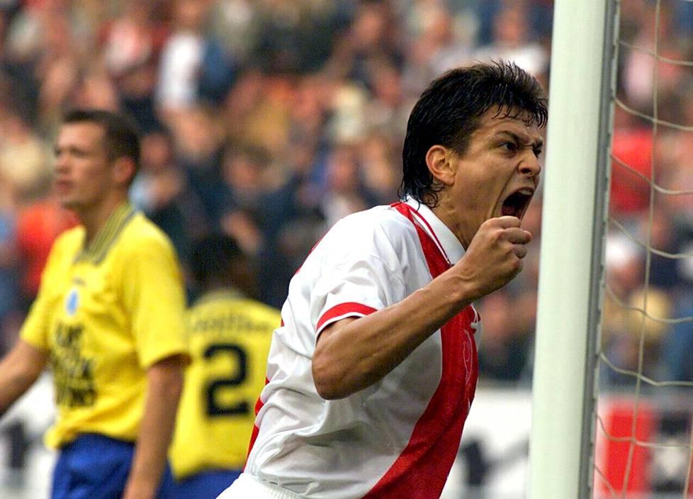 Jari Litmasen tuuletus ottelussa De Graafschapia vastaan vuonna 1998.