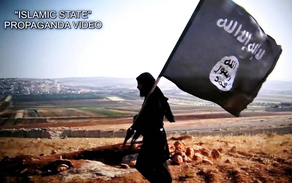 Esitutkinta-aineistoa vuonna 2018 Pirkanmaan käräjäoikeudessa pidetyssä oikeudenkäynnissä: äärijärjestö Isisin propagandavideo Camp Speicherissa Irakin Tikritissä tehdystä joukkomurhasta vuonna 2014.