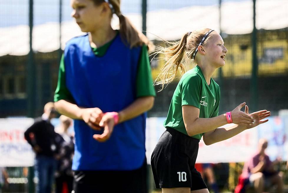HPS:n Minttu Pettinen tuuletti voittoa kesän 2020 Helsinki Cupissa.