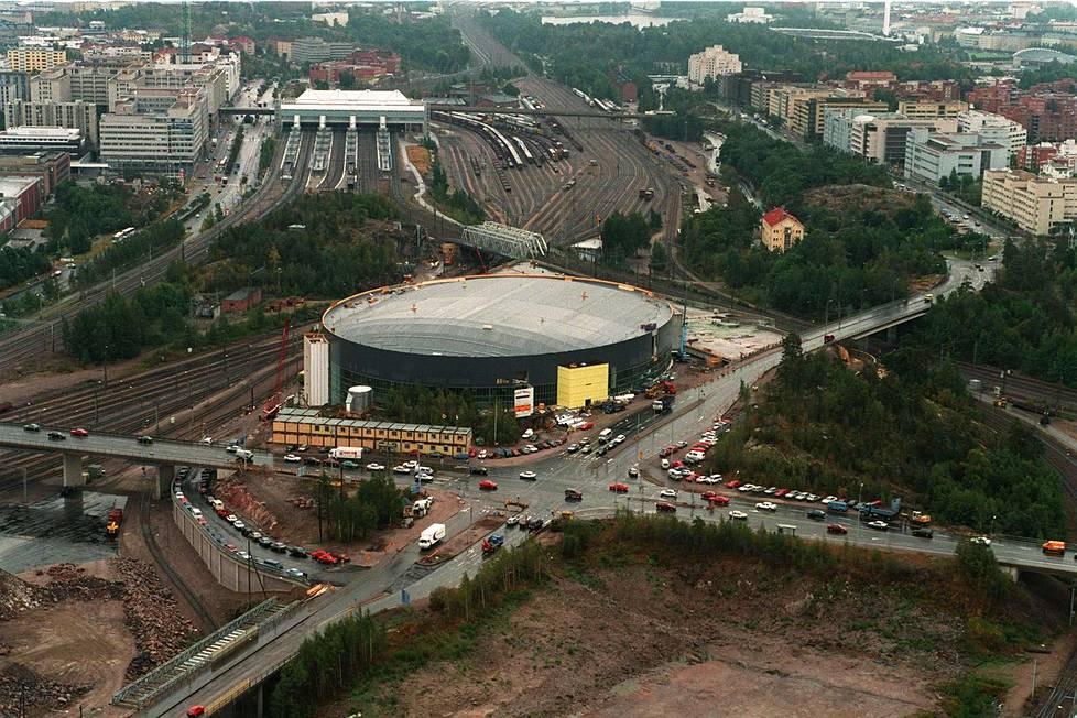 Hartwall-areenan rakennustyömaa syyskuussa 1996. Halli valmistui keväällä 1997.