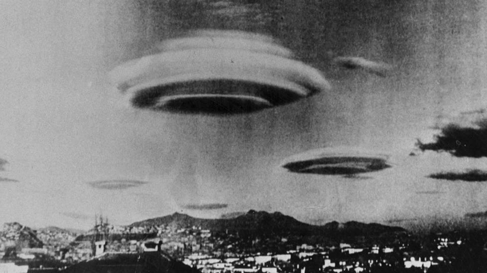 Brasiliassa otetun kuvan aika ja täsmällinen paikka ei ole tiedossa. Kuvan tietojen mukaan oudot esineet tunnistettiin myöhemmin pilviksi.
