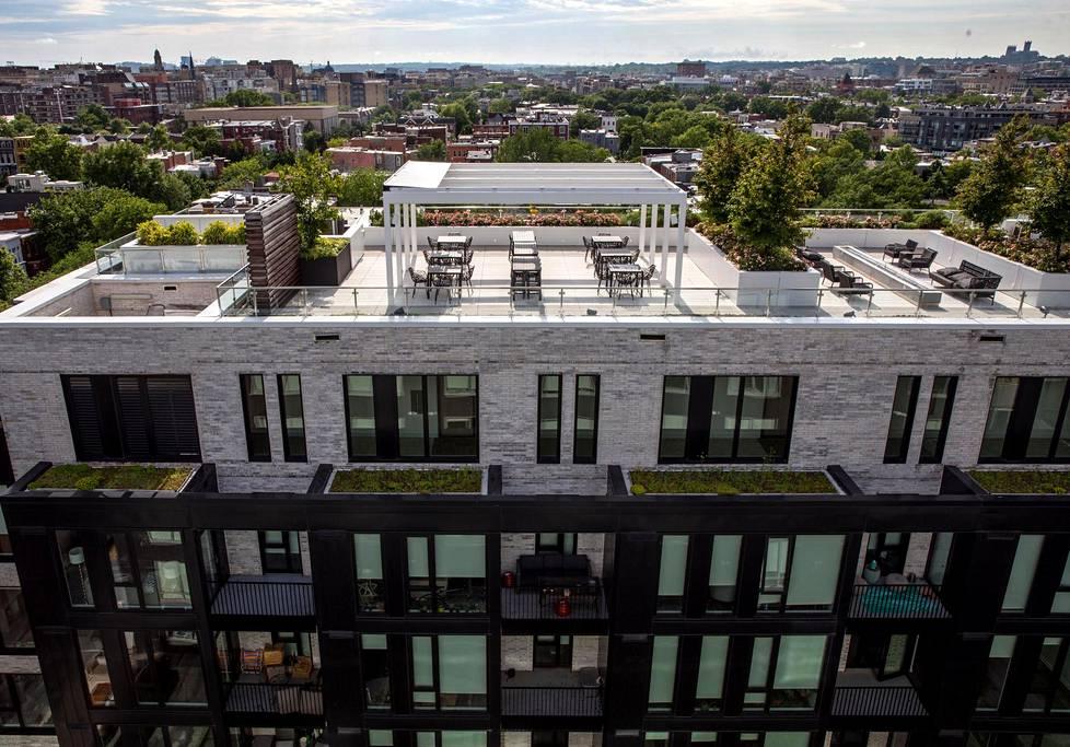 Luksusvuokratalossa Washingtonissa on monta kattoterassia.