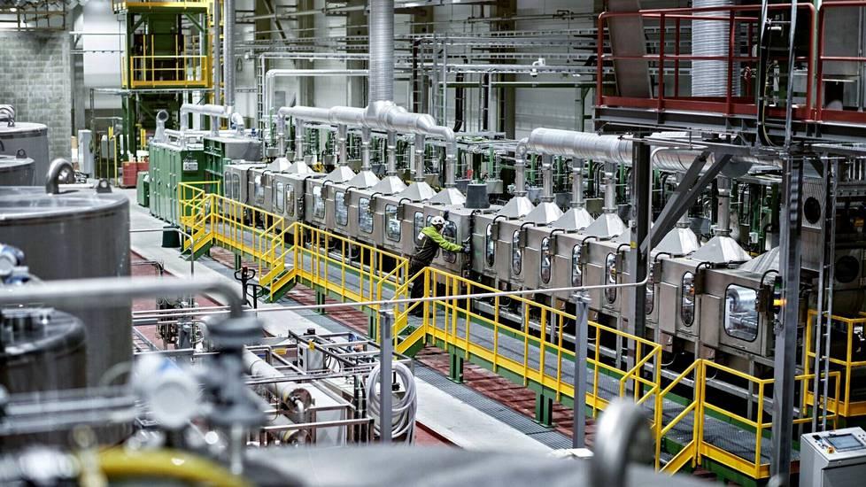 Metsä Group päättänee ensi vuoden loppuun mennessä, laajennetaanko kuvassa näkyvän koetehtaan tuotantoa suureen teolliseen mittaan.