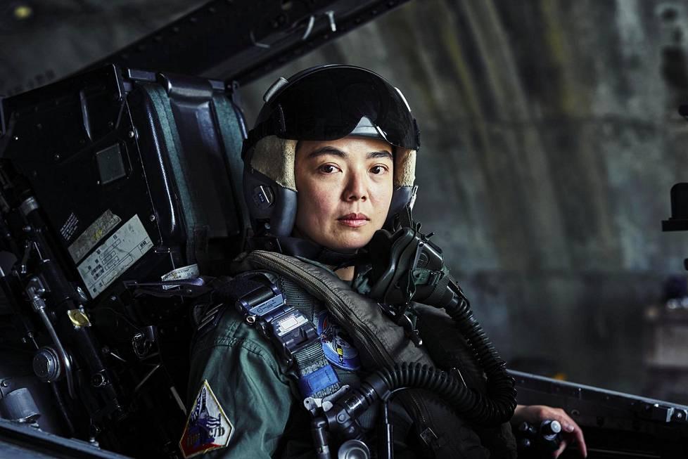 Taiwanin ilmavoimien kapteeni Guo Wen-jing, 32, on lentänyt hävittäjällä reilut 600 tuntia.