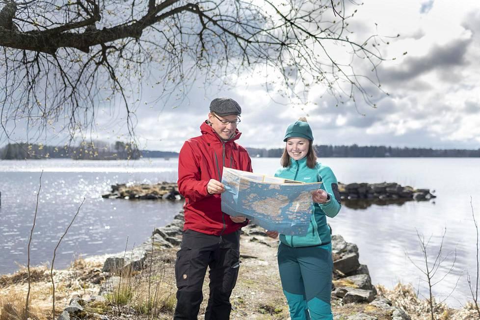 Harri Ahonen ja Aada Ala-Tala ovat kulkeneet koko Pyhän Olavin reitin Savonlinnasta Ahvenanmaalle ja tehneet aiheesta kirjan.