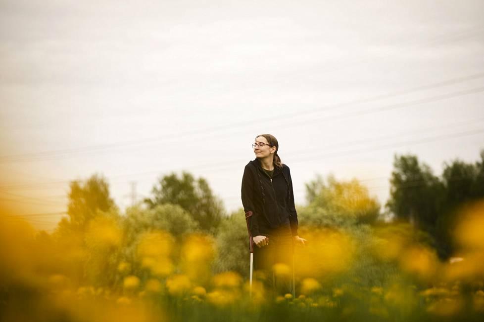 Johanna Keskinen on kärsinyt kovista kivuista lapsesta saakka. Nykyään hän syö krooniseen kipuun tarkoitettuja lääkkeitä kolmesti päivässä.