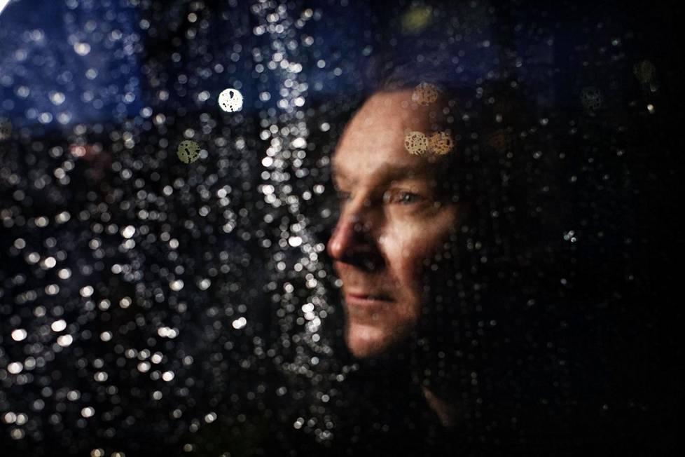 Poets of the Fallin laulaja Marko Saaresto kertoo aina pitäneensä sateesta ja sen tunnelmasta.
