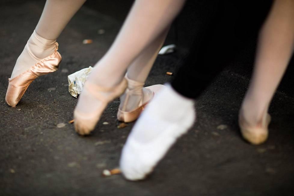 lähistöllä tanssijoita tantran sisään Helsinki
