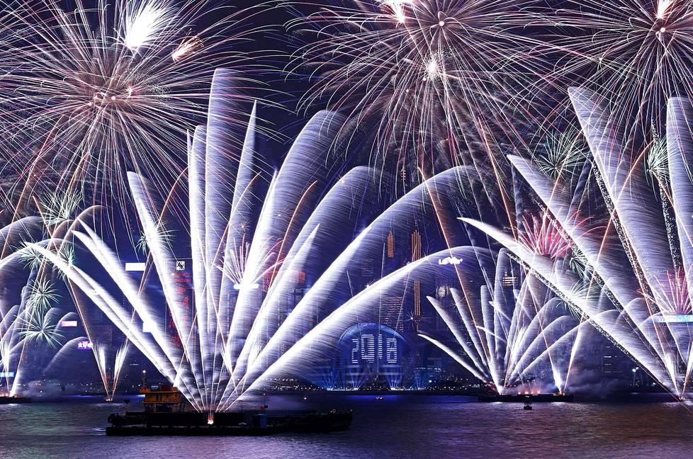 Hongkongin ilotulitus järjestettiin Victorian satamassa.