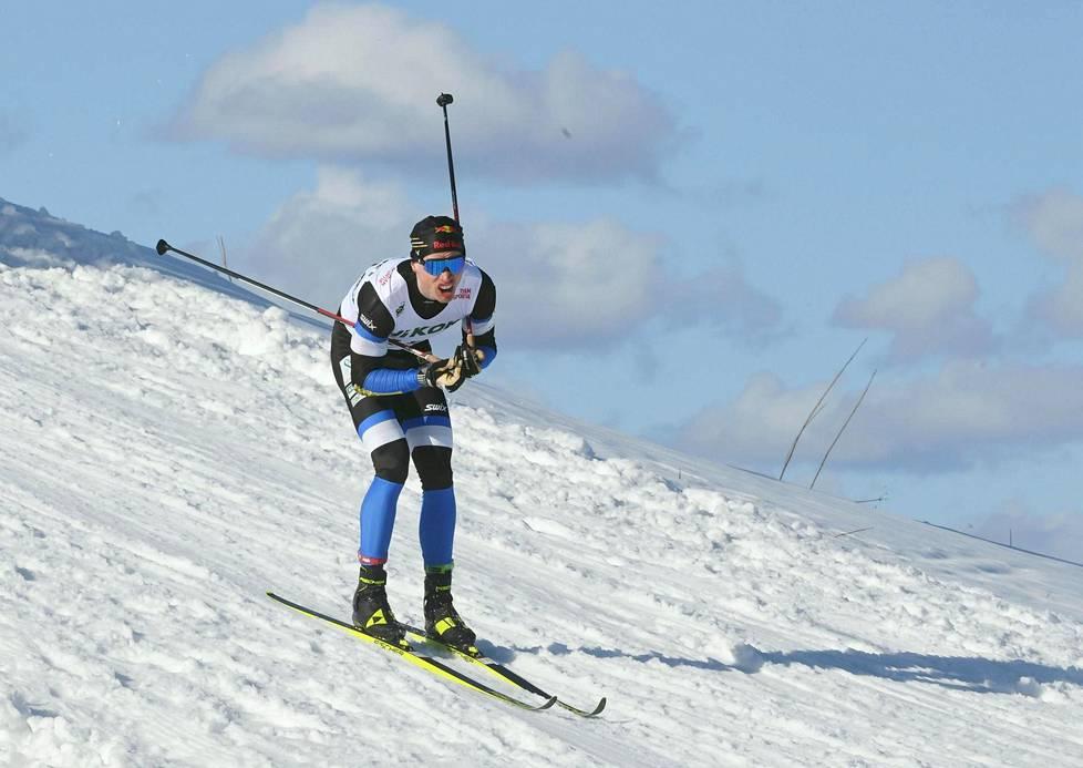 Iivo Niskanen lykki 15 kilometrin perinteisen hiihtotavan Suomen mestariksi tasatyönnöllä ja ilman pitovoiteita.