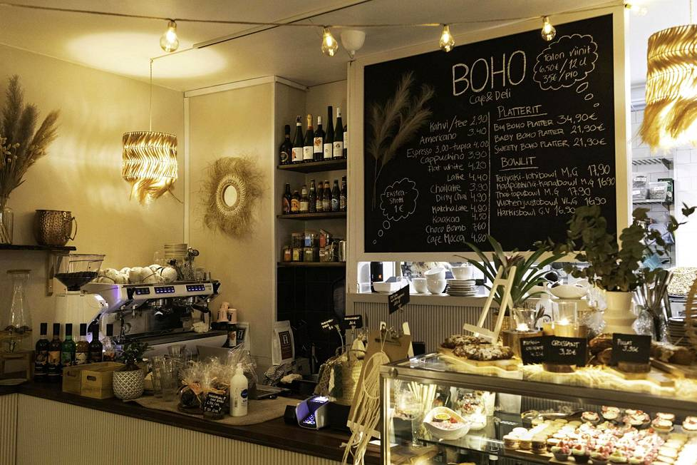 Boho-kahvila palvelee viikonloppuisin iltamyöhään.