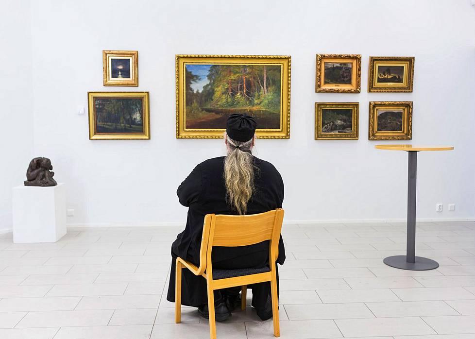 Via Finlandia -nimisen taidenäyttelyn näki Valamon luostarissa 18000 ihmistä 2016–2017.