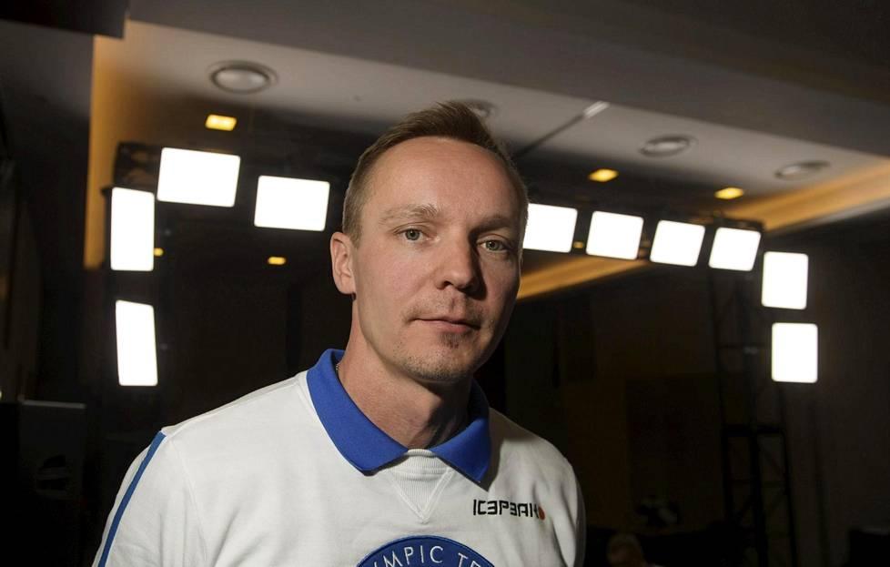 """Yhdistetyn päävalmentajana jatkava Petter Kukkonen haluaa panostaa  hyppäämisen henkiseen puoleen – """"Pojat ovat hyvin lähellä absoluuttista  maailman huippua"""" f7b8d3f690"""