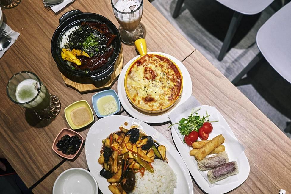 Ravintolan ruuilla on merkityksiä: esimerkiksi monen erilaisen vihanneksen paistos tarkoittaa voimien yhdistämistä.