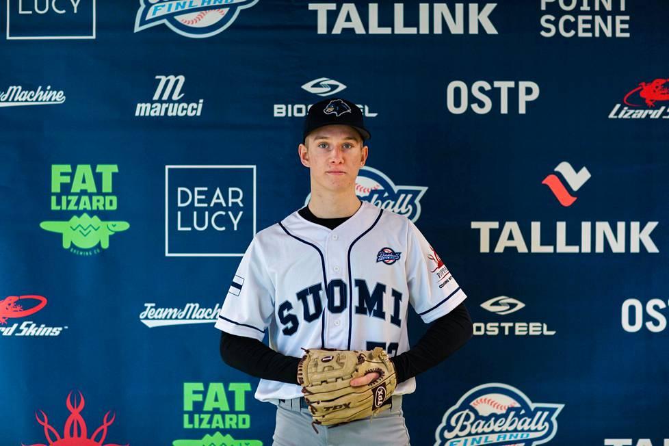 Konsta Kurikka kuuluu tiistaina julkistettuun baseballin miesten maajoukkueeseen.