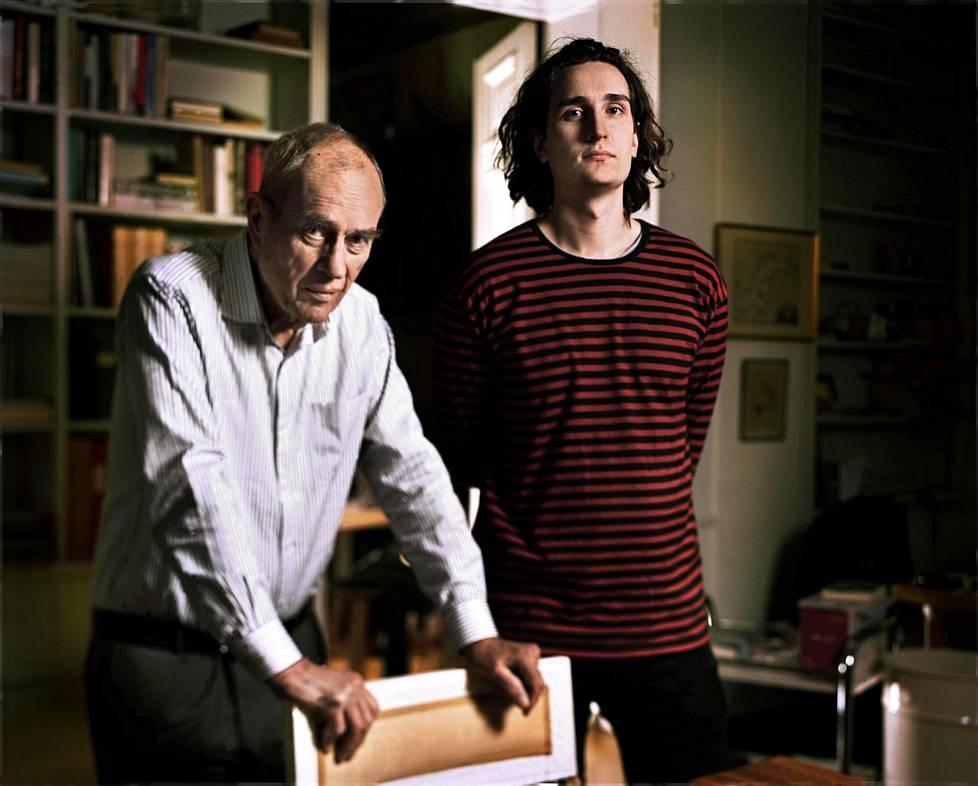 Jörn ja Rafael Donner tapaavat kerran viikossa. He keskustelevat yleensä työasioista.