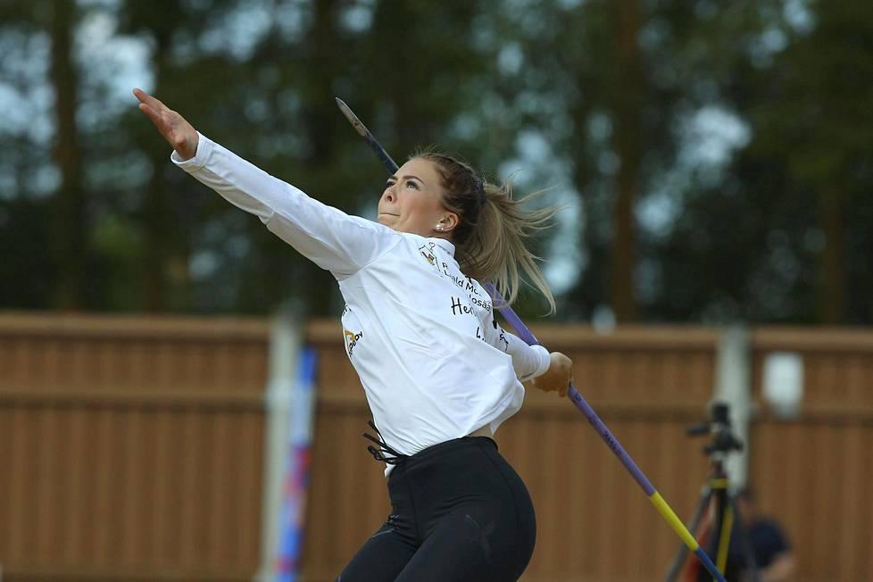 Rauman Urheilijoiden Julia Valtanen voitti naisten keihäänheiton kutsukilpailussa Harjun stadionilla Jyväskylässä 1. kesäkuuta.