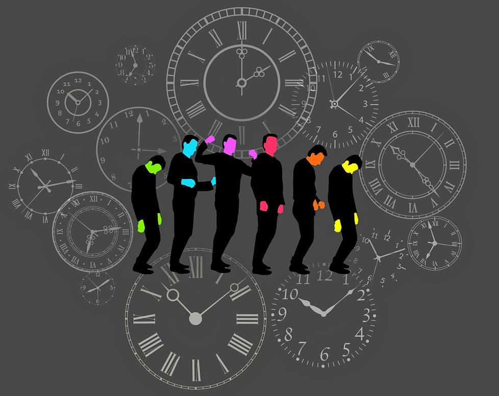 Vireystila vaihtelee päivän mittaan. Monia ihmisiä väsyttää erityisesti kello 14–16. Onneksi väsymyspiikin voimakkuuteen voi vaikuttaa omilla tottumuksilla.